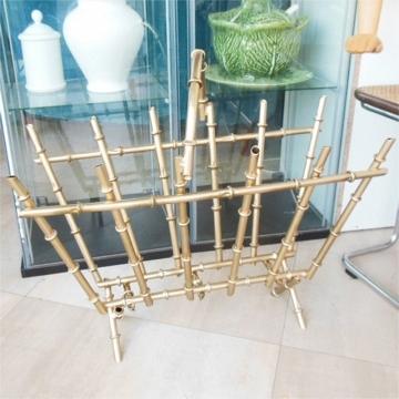 Revistero metal dorado falso bambu,Italia Años 60