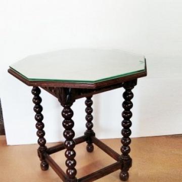 Octagonal Side Table Bobbin Turned Legs