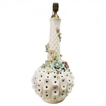 Lampara de mesa alta de porcelana Manises muy original  y diferente