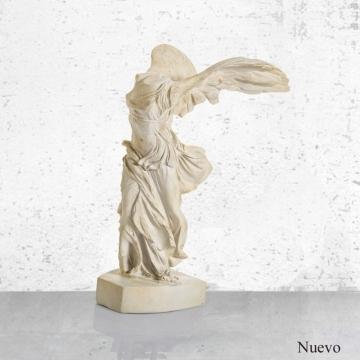 Escultura  Victoria Samotracia  15x33cm