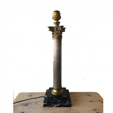 Lampara francesa de mesa columna griega estilo Neoclásico