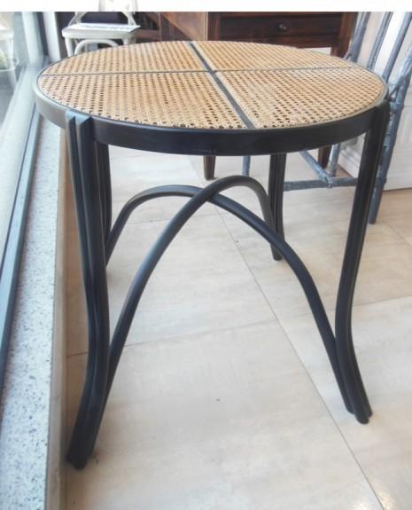 Mesa vintage Thonet estilo con rejilla  S XX