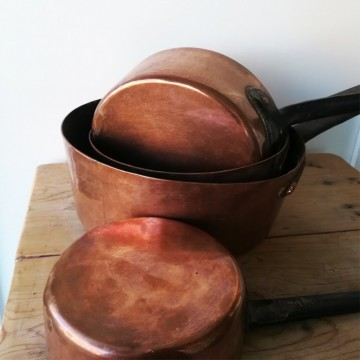 Set of four Spanish heavy copper saucepans 19th. C