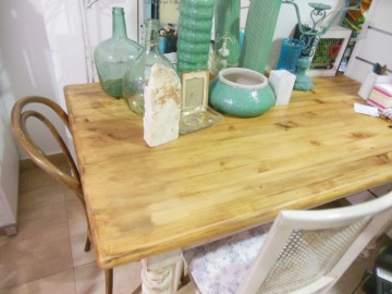 Provence style table