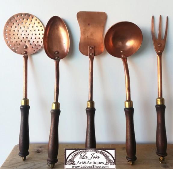 Utensilios de cocina antiguos de cobre